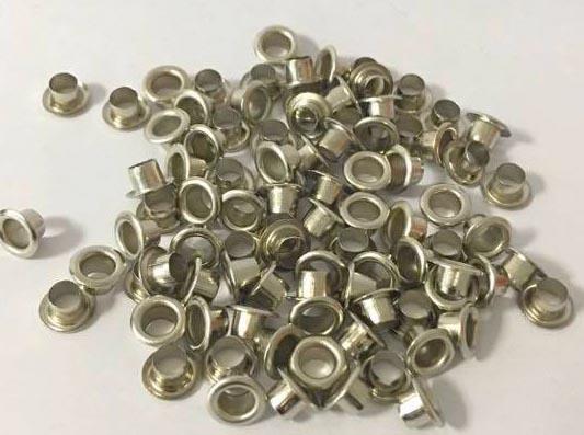 Graine Cr�ative metalen oogjes 7 mm, doos met 100 stuks